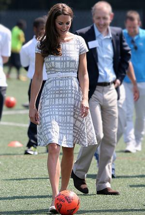 Фото №42 - Как Кейт Миддлтон вдохновляется стилем принцессы Дианы (и, главное, зачем?)