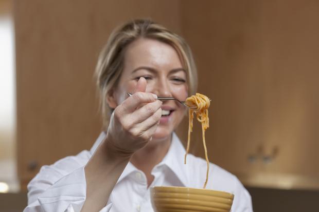 Фото №1 - Паста, творог и еще 8 продуктов, которые нельзя есть после 40 лет