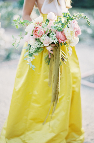 Фото №9 - Свадебный сезон 2017: модные палитры и детали, которые сделают свадьбу по-настоящему стильной