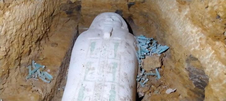 Фото №1 - В Египте найдено 27 нетронутых саркофагов