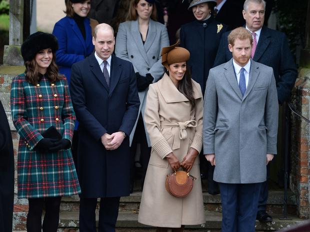 Фото №1 - Вражда или перемирие: как этот год повлиял на отношения Сассекских с королевской семьей
