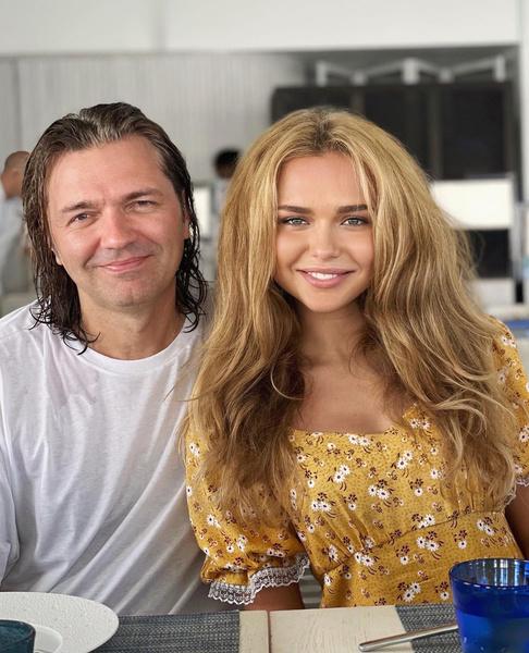 Стефания Маликова, фото, сколько зарабатывает