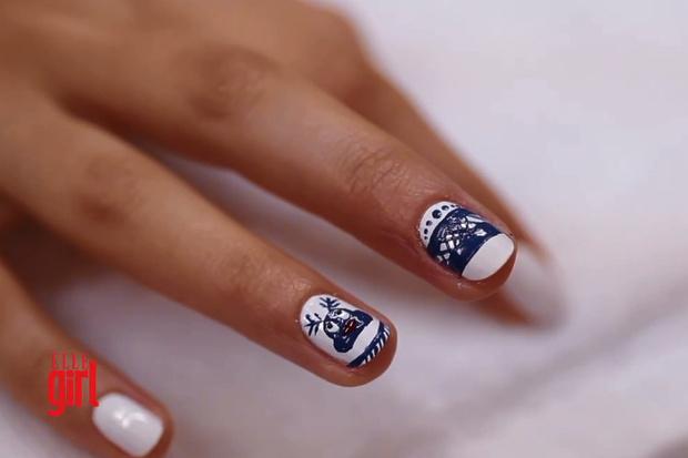Фото №1 - Beauty-уроки Elle Girl: Как сделать праздничный маникюр с оленем