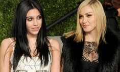 Дочка Мадонны впервые вышла на подиум, и сразу – в откровенном наряде