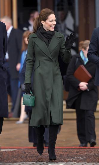 Фото №4 - Гардероб на миллион: самые дорогие наряды герцогини Кейт