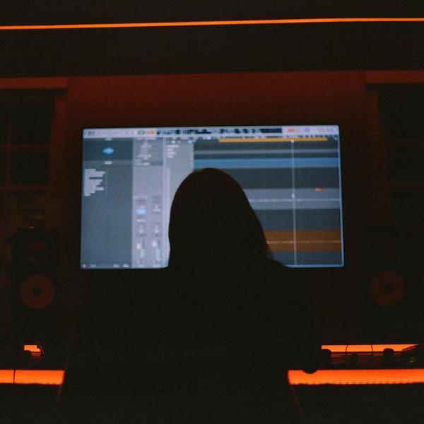 Фото №3 - Билли Айлиш посвятила новый трек разрыву с бывшим?! 💔