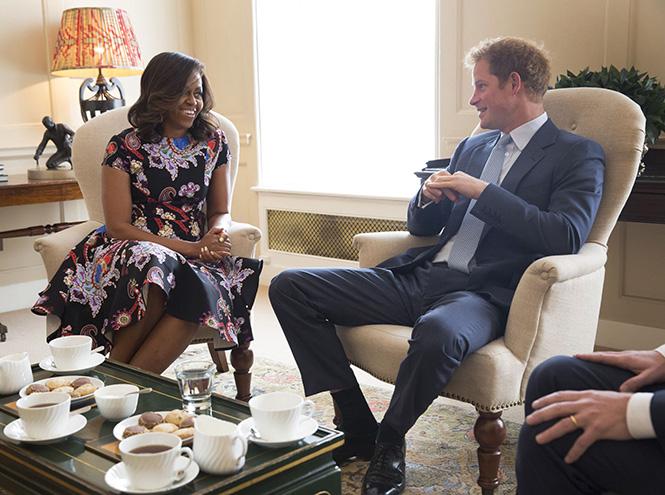 Фото №1 - Принц Гарри встретился с Мишель Обамой