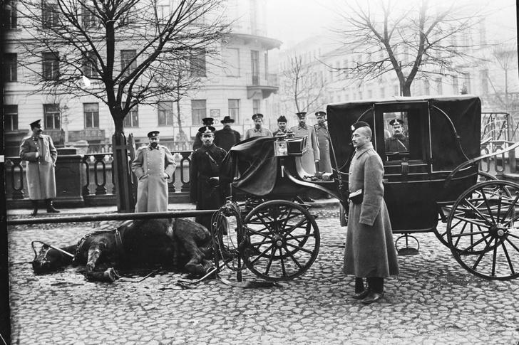 Фото №1 - Ограбление кареты казначейства в 1906 году: история одного фото