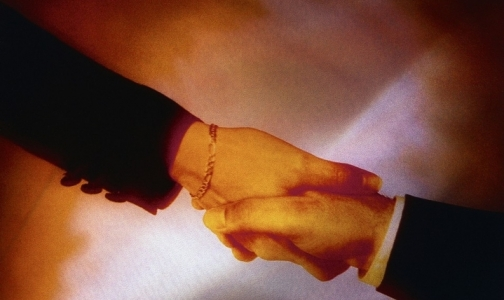 Фото №1 - Рукопожатия безопасны