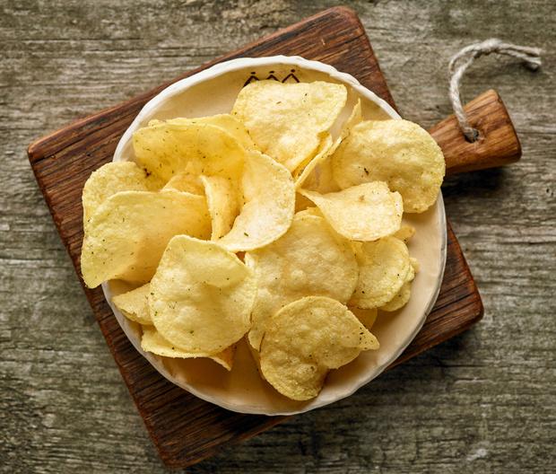 Фото №1 - Как сделать чипсы дома: секреты и рецепты