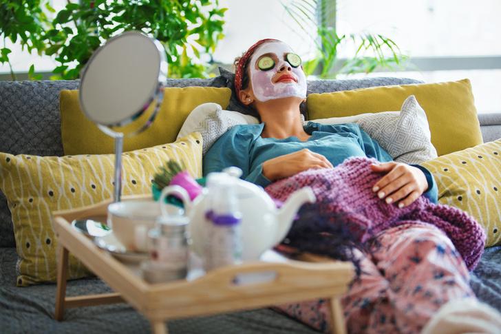 Фото №1 - 10 дешевых аптечных средств, которые заменят поход к косметологу