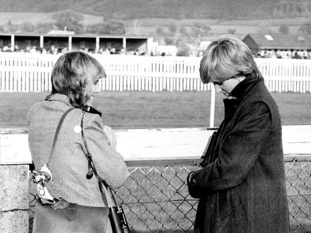 Фото №1 - Столкновение: какой на самом деле была первая встреча Дианы и Камиллы