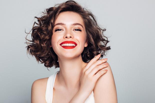 Средства для макияжа губ: бальзамы, блески, помады недорого до 300 рублей