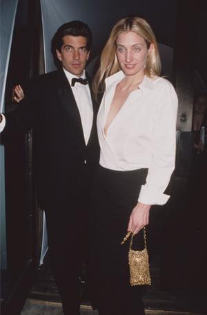 Фото №3 - Правила стиля Кэролин Бессетт-Кеннеди: безупречный минимализм из 90-х
