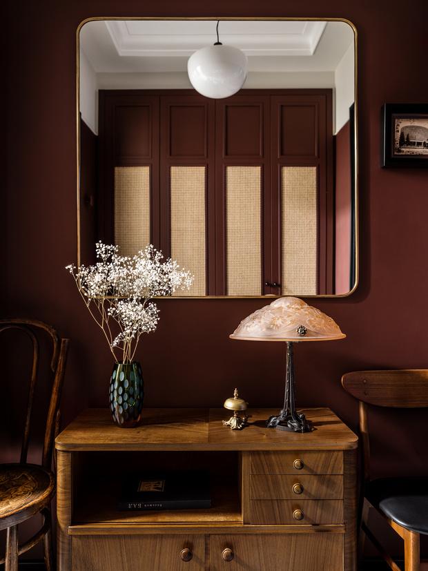Фото №8 - Квартира с винтажной и дизайнерской мебелью в сталинке