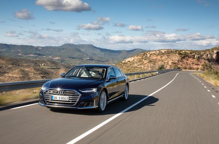 Фото №1 - Быстрый и роскошный Audi S8 уже доступен для заказа