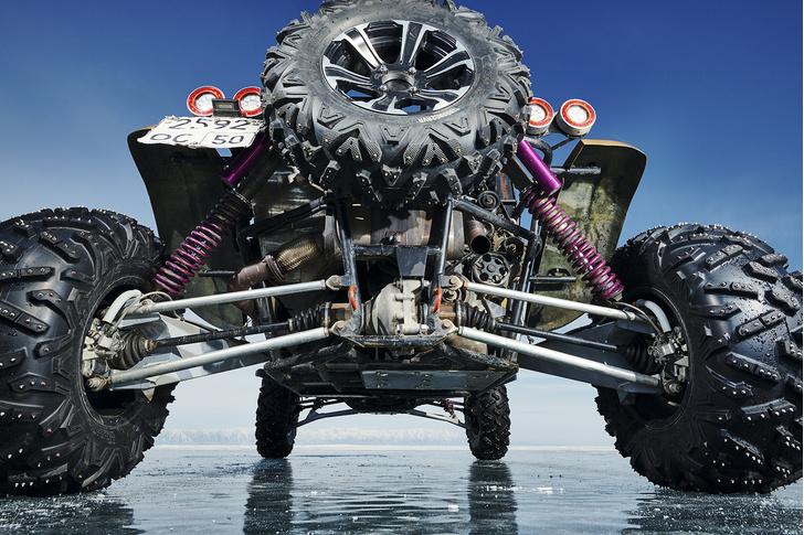Фото №2 - Полегче на поворотах: как правильно ездить по льду