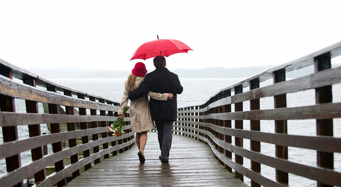Он ее обожал, а она его преданно любила