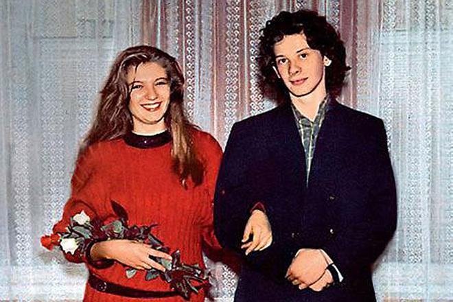 Фото №16 - 12 звезд, которые вышли замуж слишком рано