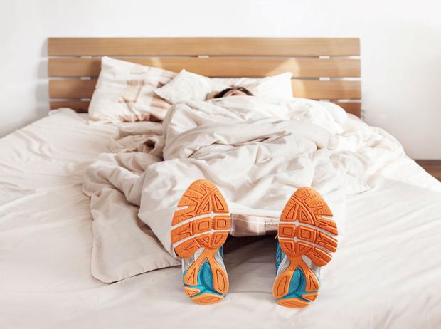 Фото №1 - 10 минутный комплекс упражнений для тех, у кого нет времени на спорт