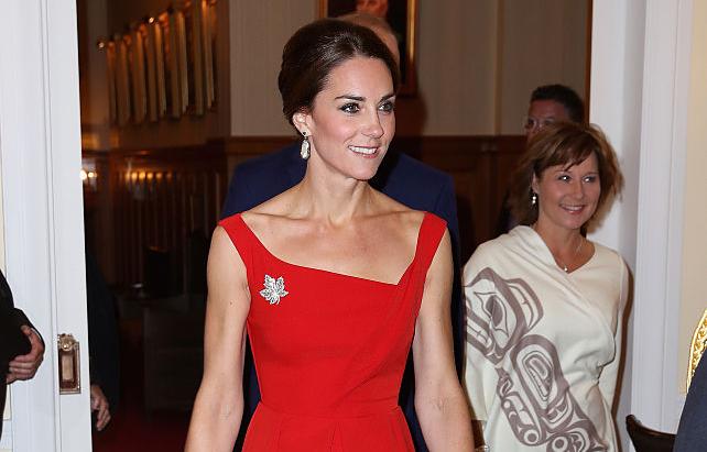 Фото №4 - Наряды королевской семьи, которые несут в себе тайный смысл