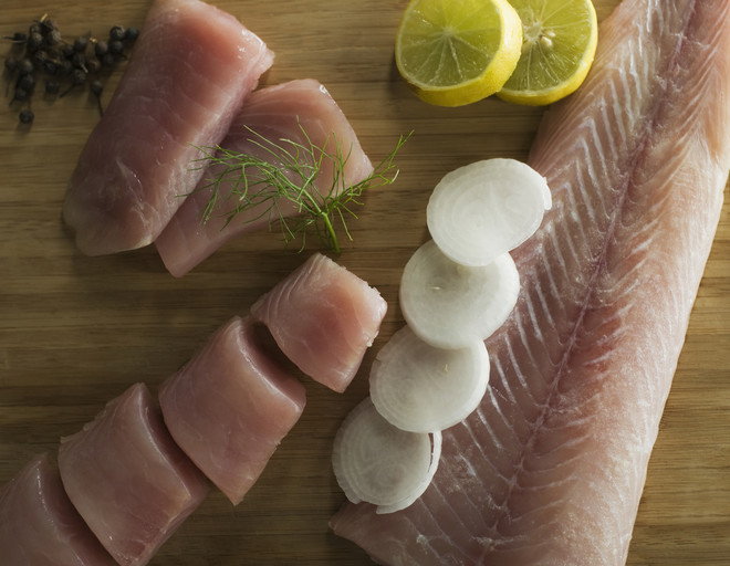 рыба под луком