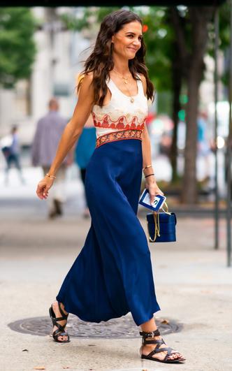 Фото №4 - Самая модная в Нью-Йорке: как одевается Кэти Холмс (и почему ее образы все повторяют)
