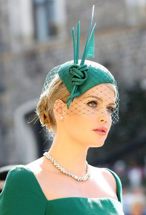 Фото №22 - Новые правила: как изменился стиль гостей на королевских свадьбах за последние 10 лет