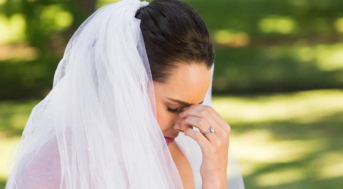 Невеста пригласила на свадьбу бывшую жениха и испортила праздник