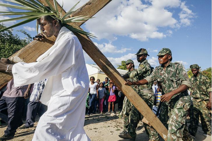 Фото №6 - И в Африке Пасха: мистерия «Крестный путь» в Мозамбике