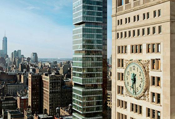 Фото №1 - 15 самых необычных городских часов