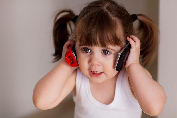Фото №1 - Вопрос психологу: Если ребенок к году ничего не говорит, это серьезно?