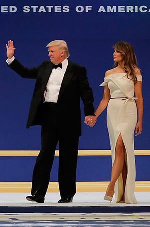 Фото №12 - Рождение fashion-звезды: Мелания Трамп на инаугурации