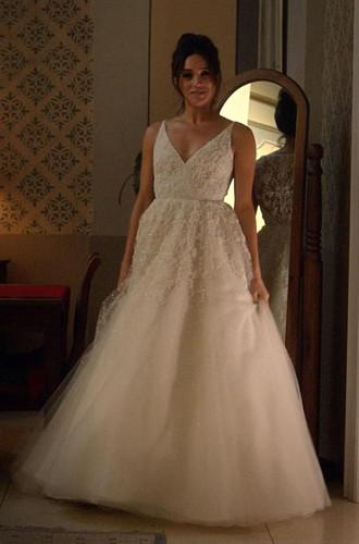 Фото №9 - Мы знаем, кто уже шьет свадебное платье для Меган Маркл (версия 4.0)