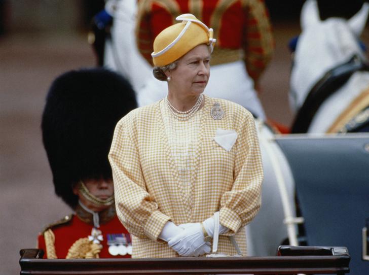 Фото №1 - Обмануть монарха: как шутка над Королевой едва не привела к международному конфликту