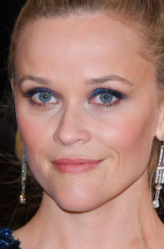 Фото №17 - Она вернулась: сине-голубая гамма в макияже глаз