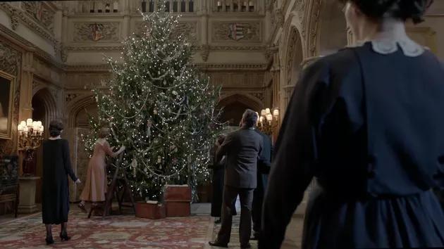 Фото №1 - Quiz: Угадай фильм или сериал по новогодней елке 🎄