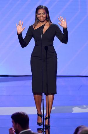 Фото №16 - От супруги президента к модной иконе: эволюция стиля Мишель Обамы