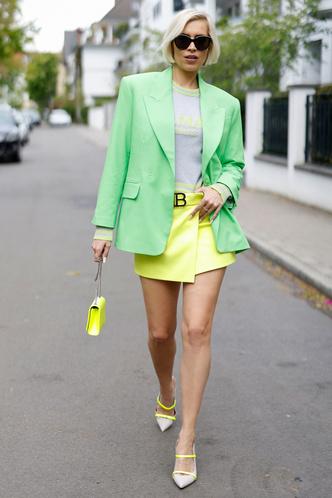 Фото №6 - С чем носить мини-юбки: 8 стильных сочетаний на любой случай
