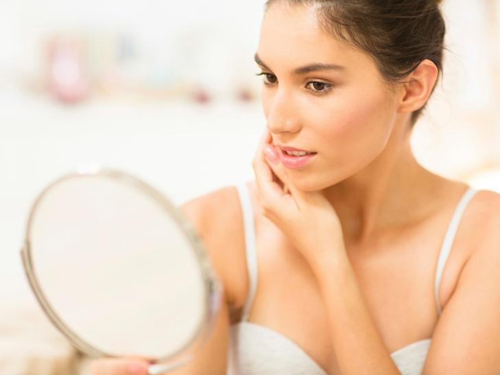 Фото №1 - Без консилера и тонального крема: еще 6 способов выровнять тон лица