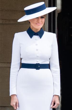Фото №3 - 10 платьев для офиса, как у Мелании Трамп на встрече с королевской семьей
