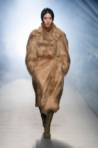 Фото №84 - Полный гид по самой модной верхней одежде на осень и зиму 2021/22