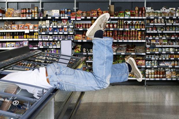 Фото №1 - 10 бесчестных уловок супермаркетов по отъему средств у населения