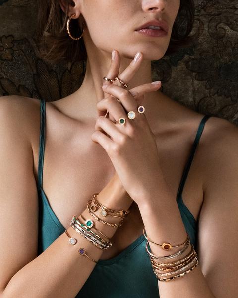 Фото №1 - Выигрышная комбинация: марка Bvlgari представила три коллекции браслетов
