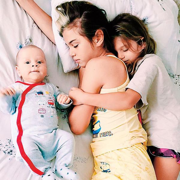 Фото №2 - Звездные мамы, которые растят детей от разных отцов