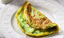 Зеленый омлет с сыром