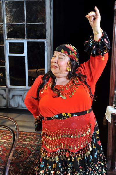 Фото №2 - Больше всего на свете любила смешить: умерла «бабушка комедии» Кира Крейлис-Петрова