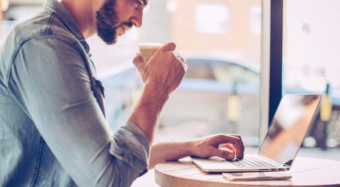 Кафе вместо офиса: кофелансинг как новый формат работы