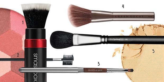 Фото №2 - 7 вещей о кистях для макияжа, которые надо знать