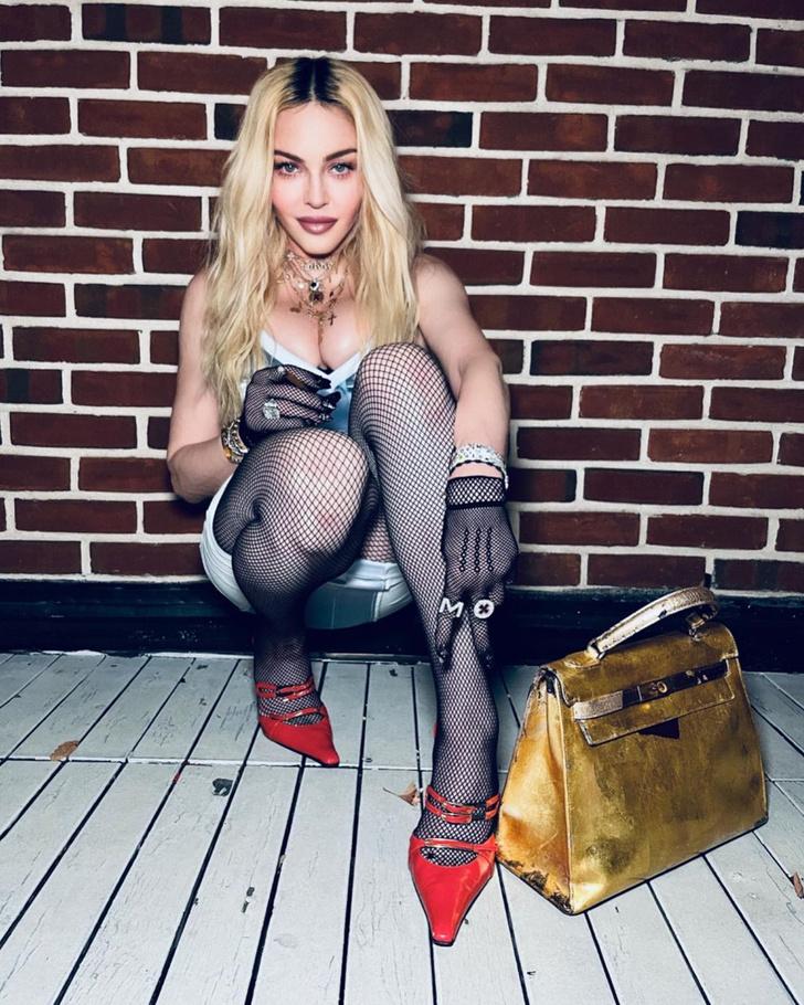 Фото №3 - Мадонна рассказала об идеальном мужчине для секса и о мастурбации на сцене